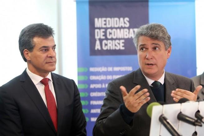 Secretário Mauro Ricardo afirma que manchete da Gazeta do Povo é falsa! O Paraná está com superávit!!